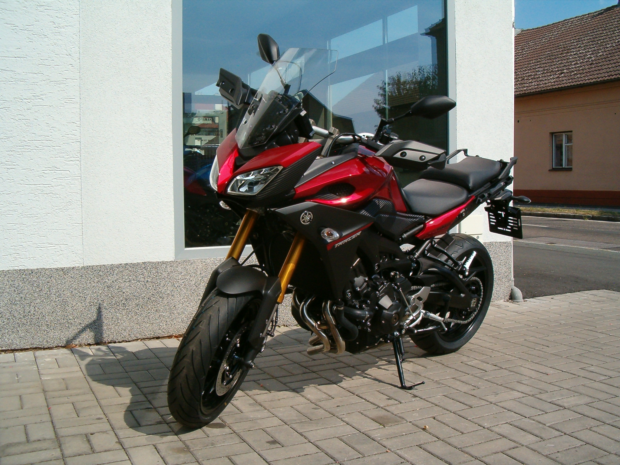 Yamaha MT-09 TRACER (Lava red) ABS